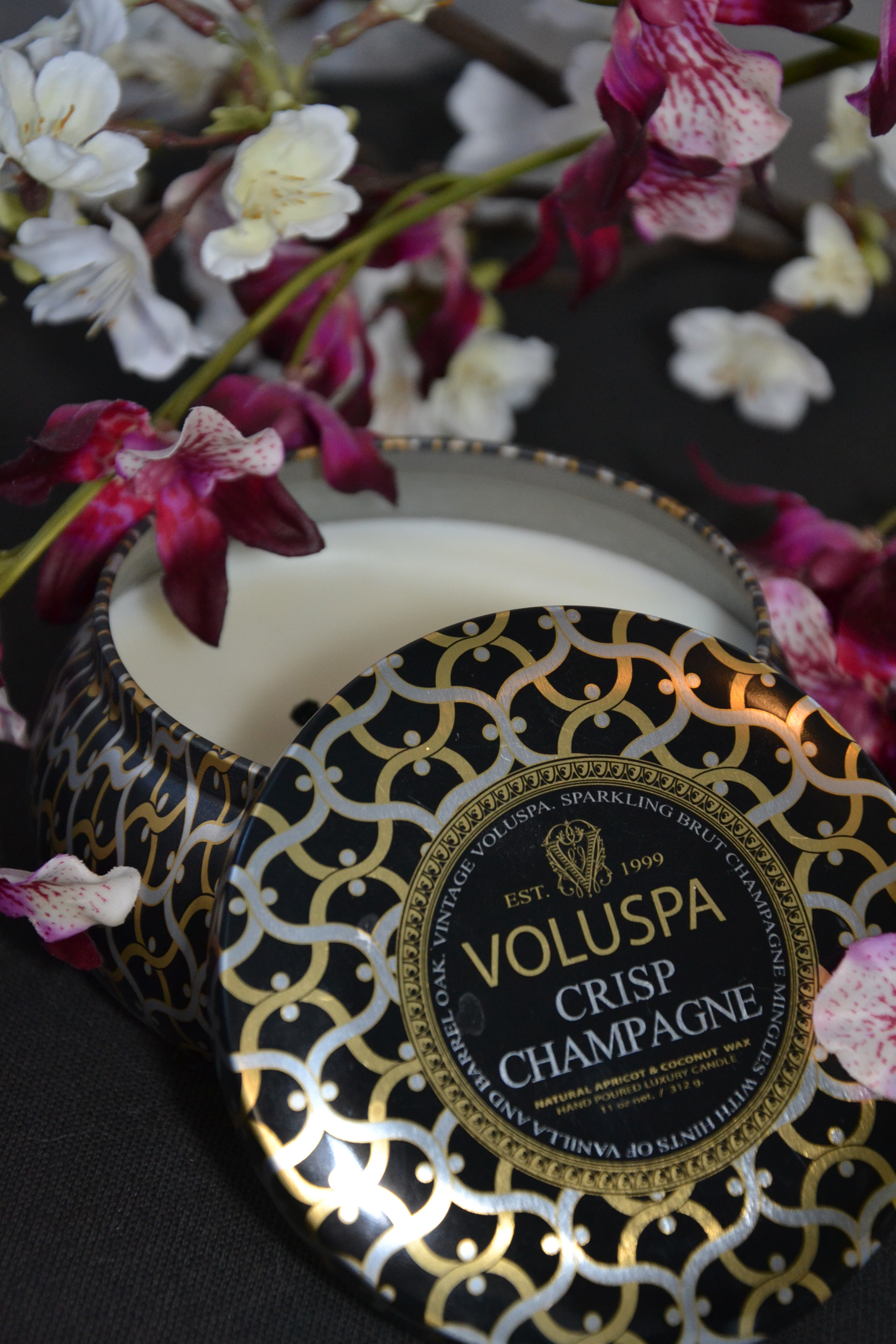 Voluspa Champagne candle, the scent of spring